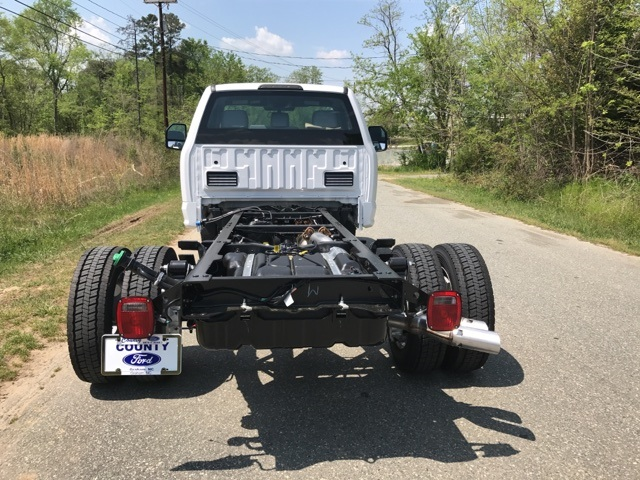 2017 F-450 Regular Cab DRW, Cab Chassis #177938 - photo 6