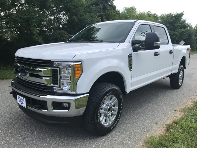 2017 F-250 Crew Cab 4x4 Pickup #178072 - photo 1