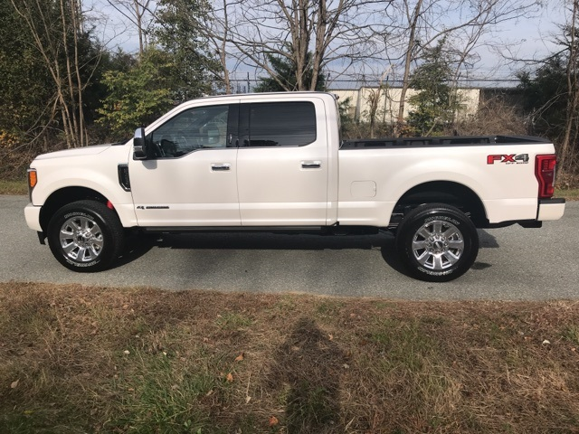 2017 F-250 Crew Cab 4x4 Pickup #178240 - photo 10