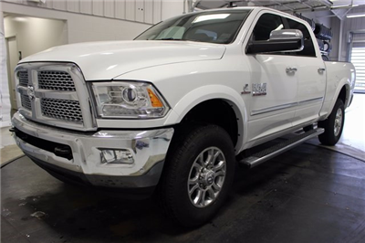 2018 Ram 3500 Crew Cab 4x4 Pickup #R15422 - photo 3