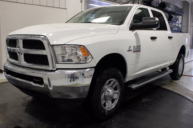2018 Ram 3500 Crew Cab 4x4, Pickup #R15520 - photo 3