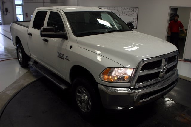 2018 Ram 3500 Crew Cab 4x4, Pickup #R15520 - photo 23