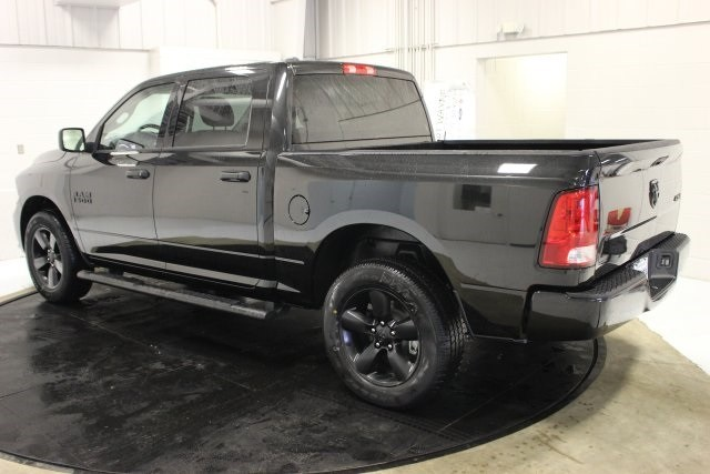 2018 Ram 1500 Crew Cab 4x4, Pickup #R16168 - photo 4