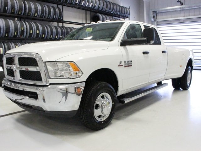 2018 Ram 3500 Crew Cab DRW 4x4, Pickup #R16269 - photo 3