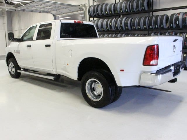 2018 Ram 3500 Crew Cab DRW 4x4, Pickup #R16269 - photo 4