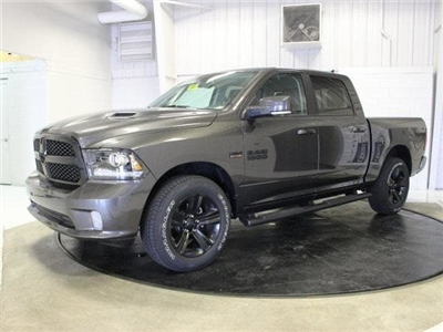 2018 Ram 1500 Crew Cab 4x4, Pickup #R16419 - photo 3