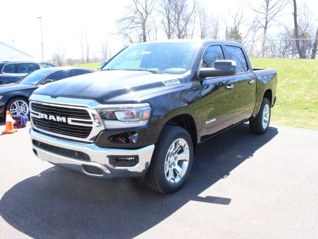 2019 Ram 1500 Crew Cab 4x4, Pickup #R16576 - photo 3
