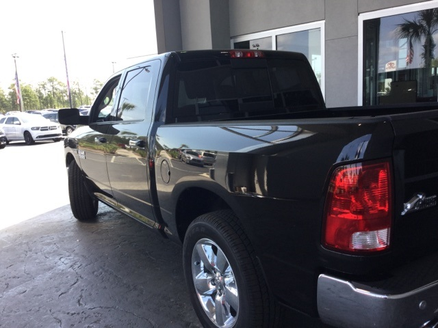 2017 Ram 1500 Crew Cab Pickup #H0392 - photo 2