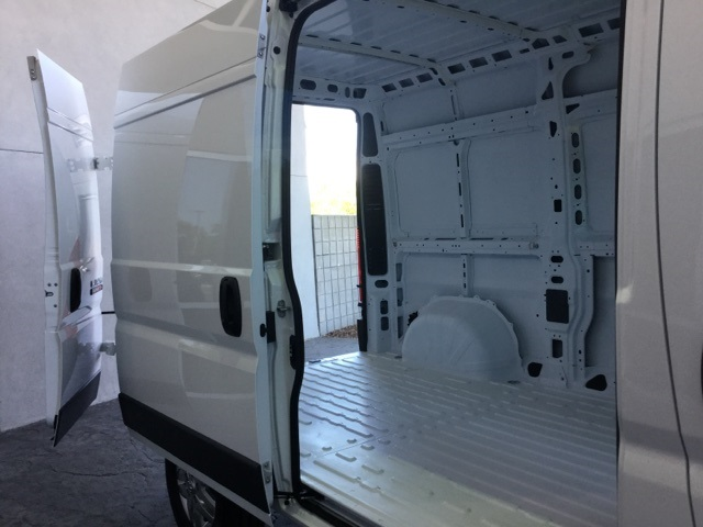 2017 ProMaster 2500 High Roof Cargo Van #H0617 - photo 25