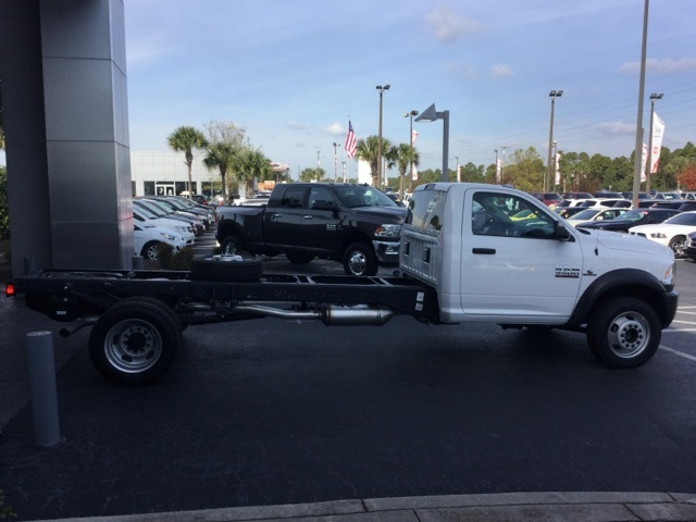 2018 Ram 5500 Regular Cab DRW 4x4,  Cab Chassis #J0049 - photo 32