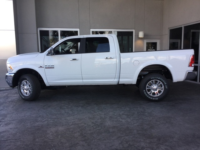 2018 Ram 2500 Crew Cab 4x4 Pickup #J0120 - photo 3