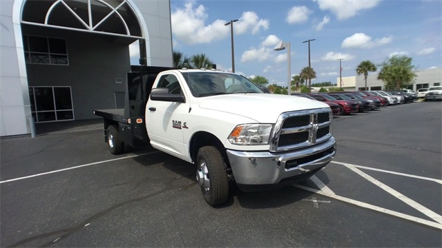 2018 Ram 3500 Regular Cab DRW 4x4,  Knapheide Platform Body #J0477 - photo 3