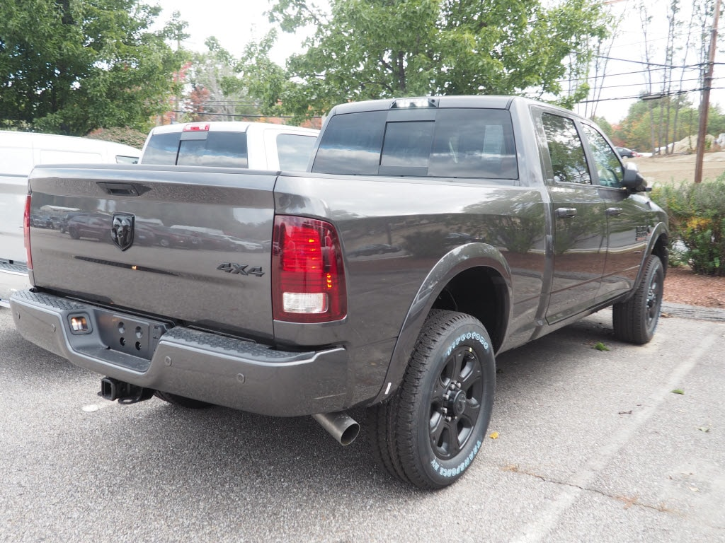 2018 Ram 3500 Crew Cab 4x4 Pickup #M53619 - photo 2