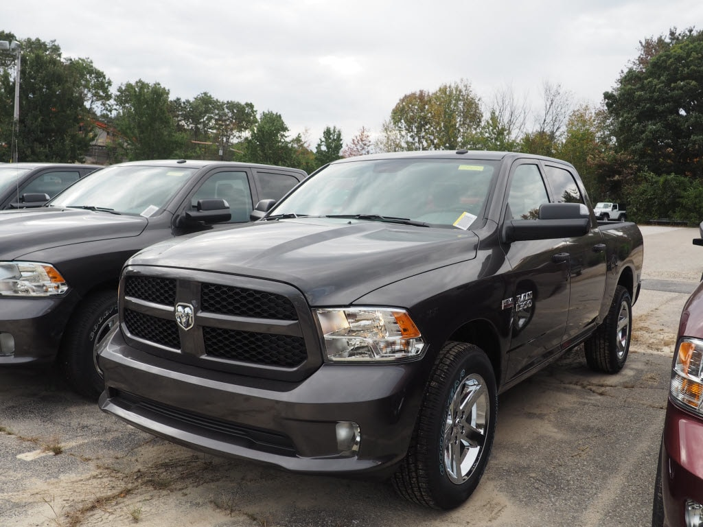 2018 Ram 1500 Crew Cab 4x4 Pickup #M53650 - photo 1