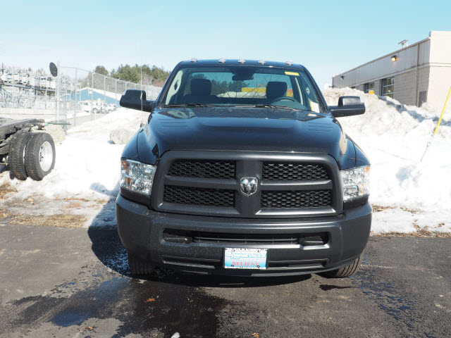 2017 Ram 3500 Regular Cab DRW 4x4, Cab Chassis #MM52438 - photo 4