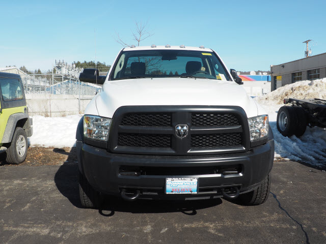 2017 Ram 5500 Regular Cab DRW 4x4, Cab Chassis #MM52443 - photo 4