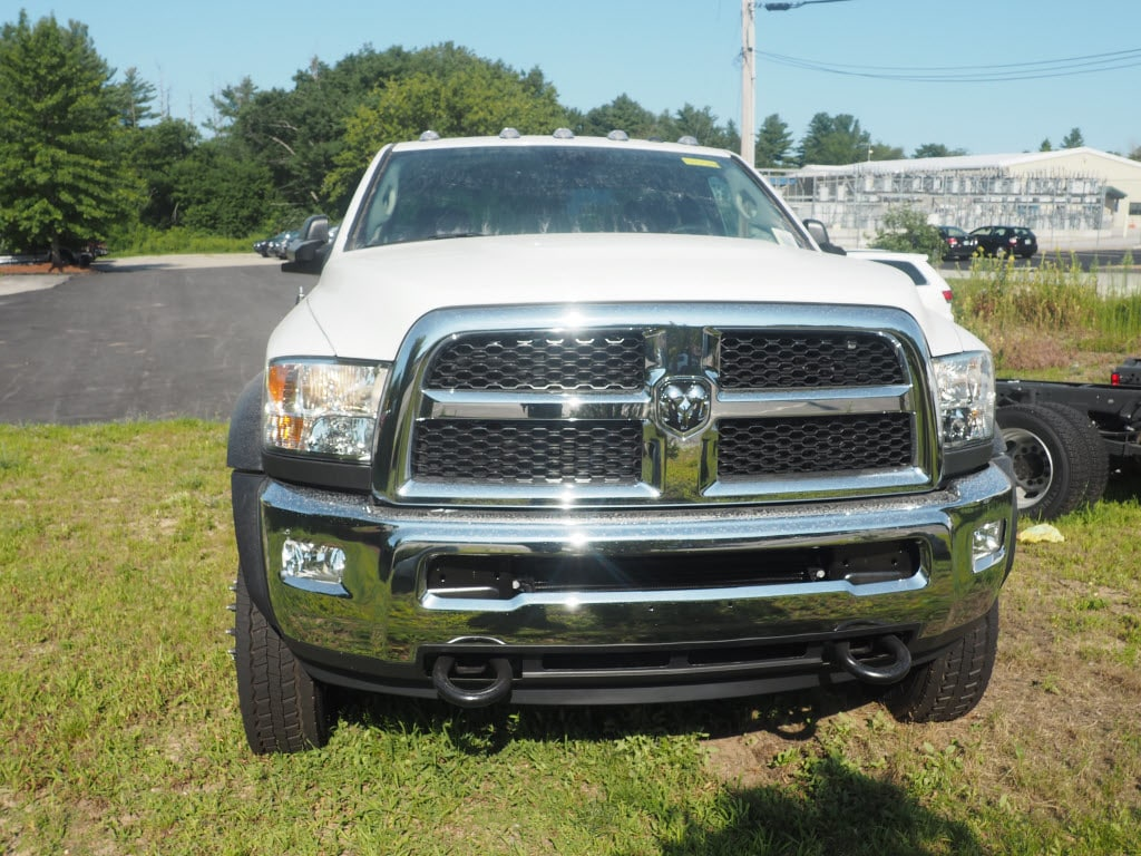 2017 Ram 5500 Regular Cab DRW 4x4 Cab Chassis #MM53258 - photo 3
