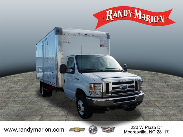 2016 E-450 4x2,  Cutaway Van #39890X - photo 1