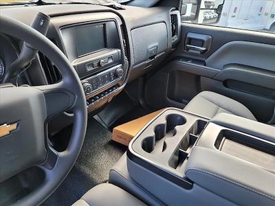 2019 Chevrolet Silverado 5500 Regular Cab DRW 4x2, Reading Panel Service Body #TR75344 - photo 16