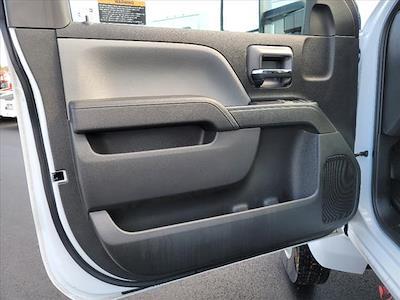 2019 Chevrolet Silverado 5500 Regular Cab DRW 4x2, Reading Panel Service Body #TR75344 - photo 17