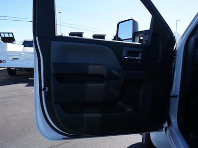 2019 Chevrolet Silverado 5500 Regular Cab DRW 4x2, Knapheide Platform Body #TR75448 - photo 15