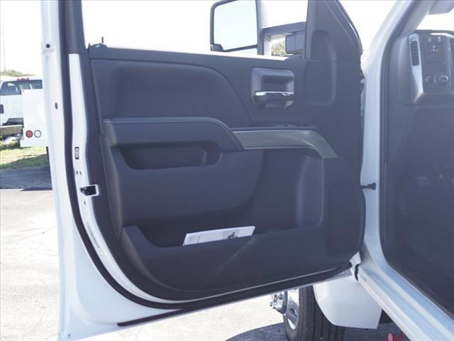 2019 Chevrolet Silverado 4500 Crew Cab DRW 4x2, CM Truck Beds Platform Body #TR75776 - photo 19