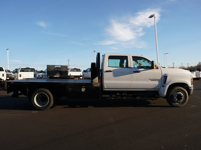 2019 Chevrolet Silverado 5500 Crew Cab DRW 4x2, CM Truck Beds Platform Body #TR76143 - photo 3