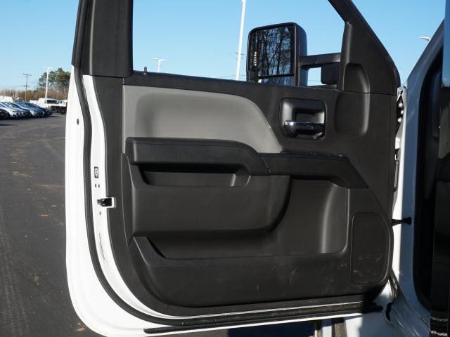 2019 Chevrolet Silverado 5500 Regular Cab DRW 4x2, PJ's Platform Body #TR76355 - photo 14