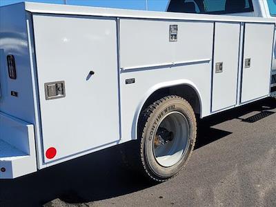 2019 Chevrolet Silverado 5500 Regular Cab DRW 4x2, Reading SL Service Body #TR76356 - photo 9