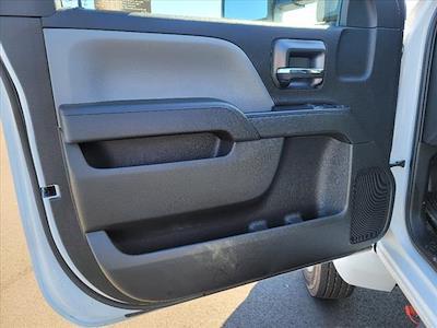 2019 Chevrolet Silverado 5500 Regular Cab DRW 4x2, Reading SL Service Body #TR76356 - photo 17