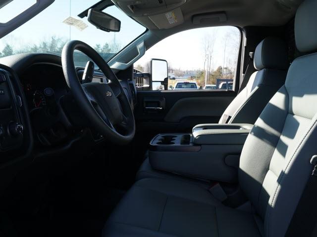 2019 Chevrolet Silverado 5500 Regular Cab DRW 4x2, PJ's Platform Body #TR76363 - photo 18