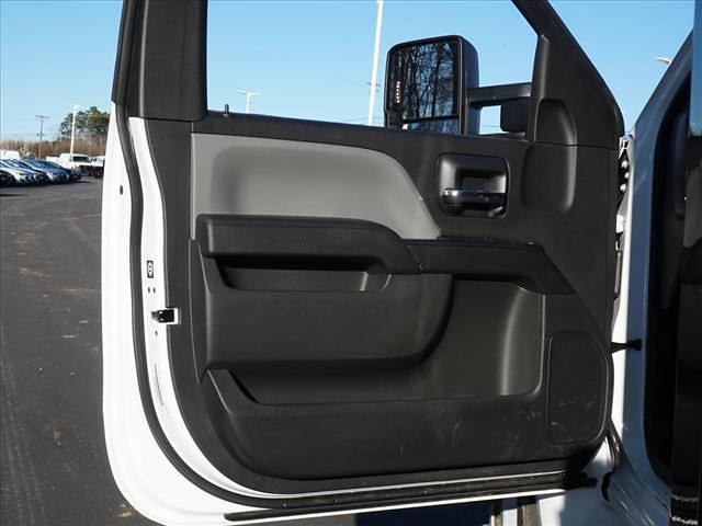 2019 Chevrolet Silverado 5500 Regular Cab DRW 4x2, PJ's Platform Body #TR76505 - photo 15