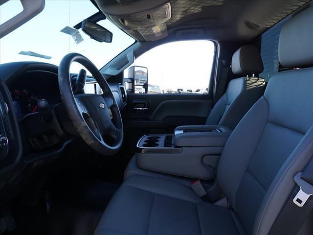 2019 Chevrolet Silverado 5500 Regular Cab DRW 4x2, PJ's Platform Body #TR76505 - photo 16