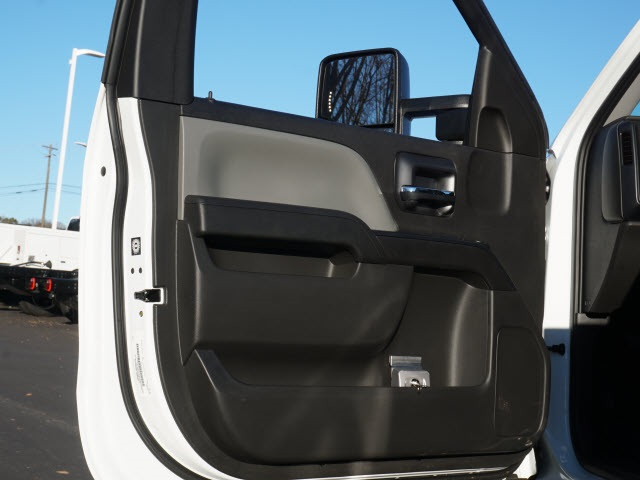 2019 Chevrolet Silverado 5500 Regular Cab DRW 4x2, Reading SL Service Body #TR76512 - photo 15