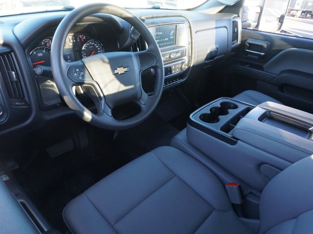2019 Chevrolet Silverado 5500 Regular Cab DRW 4x2, Reading SL Service Body #TR76512 - photo 17
