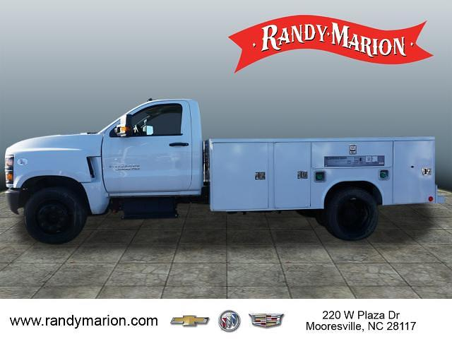 2019 Chevrolet Silverado 5500 Regular Cab DRW 4x2, Reading SL Service Body #TR76664 - photo 8