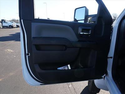 2019 Chevrolet Silverado 5500 Regular Cab DRW 4x2, Reading SL Service Body #TR76664 - photo 19