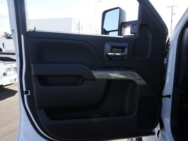 2019 Chevrolet Silverado 4500 Crew Cab DRW 4x4, CM Truck Beds Hauler Body #TR76694 - photo 15