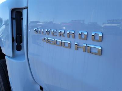 2019 Chevrolet Silverado 4500 Crew Cab DRW 4x4, CM Truck Beds Platform Body #TR76695 - photo 11