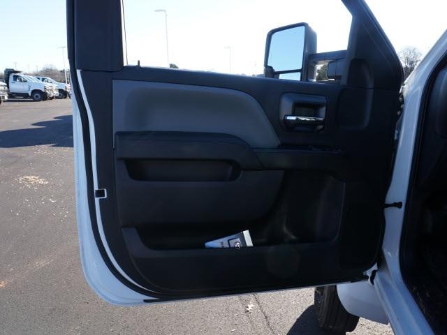 2019 Chevrolet Silverado 5500 Regular Cab DRW 4x2, Reading SL Service Body #TR76718 - photo 19