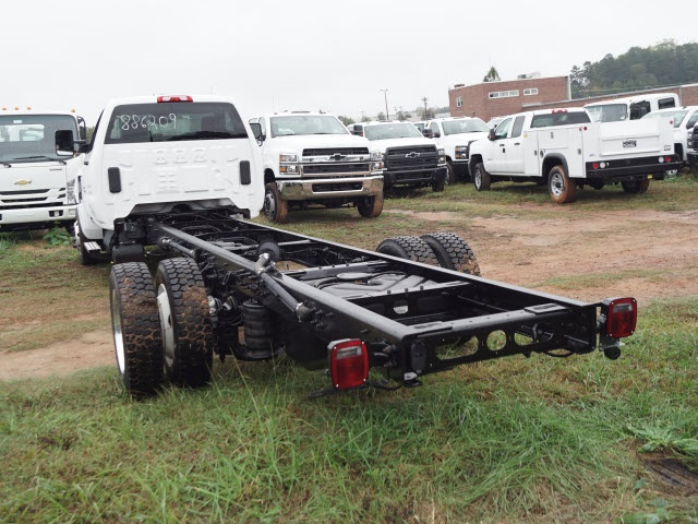 2019 Chevrolet Silverado 6500 Regular Cab DRW 4x2, Cab Chassis #TR77221 - photo 5