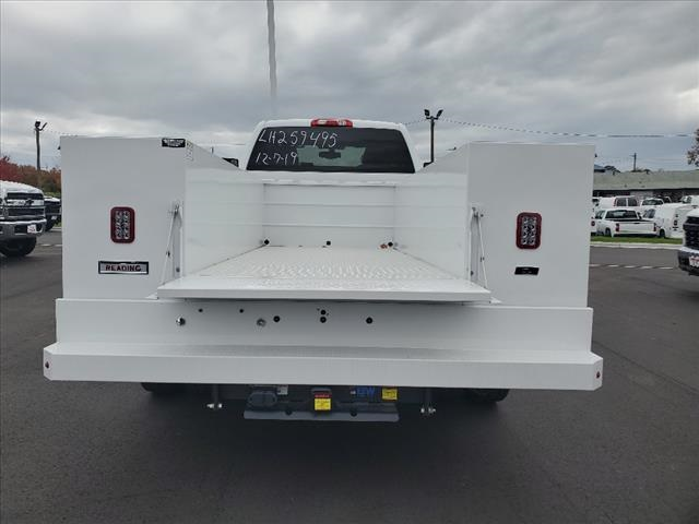 2020 Chevrolet Silverado 5500 Regular Cab DRW 4x2, Reading SL Service Body #TR77415 - photo 10