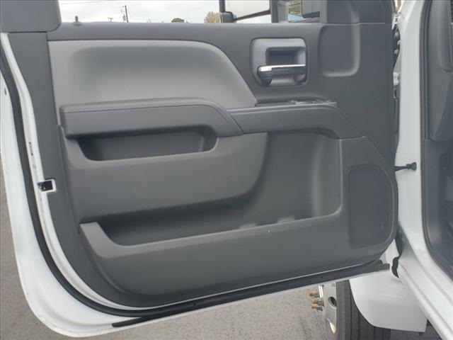 2020 Chevrolet Silverado 5500 Regular Cab DRW 4x2, Reading SL Service Body #TR77415 - photo 14