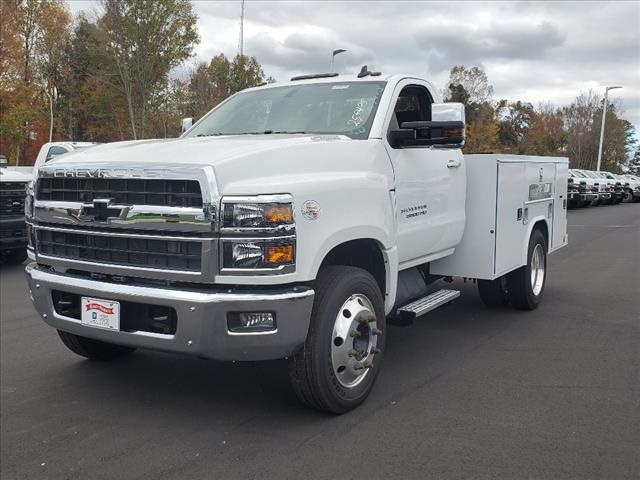 2020 Chevrolet Silverado 5500 Regular Cab DRW 4x2, Reading SL Service Body #TR77415 - photo 4