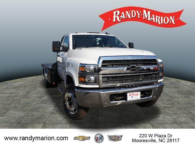 2019 Chevrolet Silverado 5500 Regular Cab DRW 4x2, CM Truck Beds Platform Body #TR77808 - photo 3
