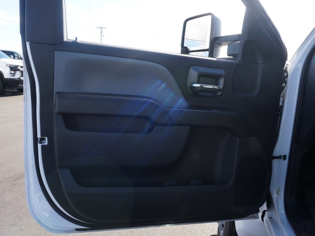 2019 Chevrolet Silverado 5500 Regular Cab DRW 4x2, CM Truck Beds Platform Body #TR77810 - photo 15