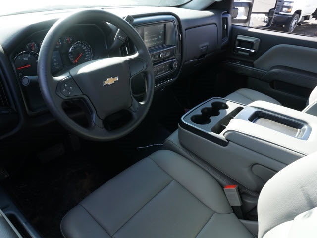 2019 Chevrolet Silverado 5500 Regular Cab DRW 4x2, CM Truck Beds Platform Body #TR77810 - photo 17