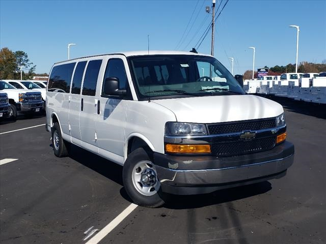 2020 Chevrolet Express 3500 4x2, Passenger Wagon #TR78914 - photo 1