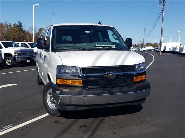 2020 Chevrolet Express 3500 4x2, Passenger Wagon #TR78914 - photo 3