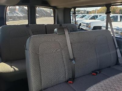 2020 Chevrolet Express 3500 4x2, Passenger Wagon #TR78914 - photo 16